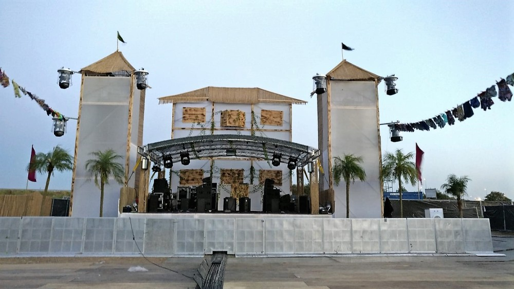 The Tropical stage we made for Vunzige Deuntjes festival